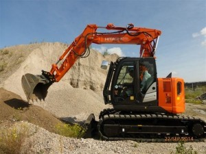 location-pelle-hitachi-zx135us-5-volee-variable-ternay.jpg