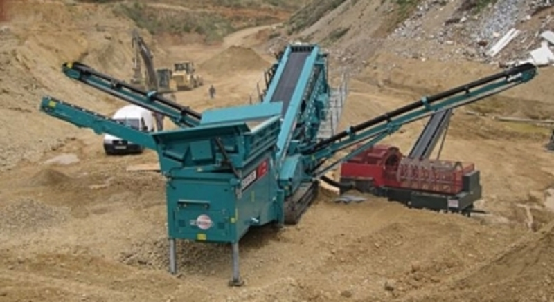 location-concasseur-mobile-powerscreen-chieftain-1700-iii-sous-eaux-saint-albain.jpg